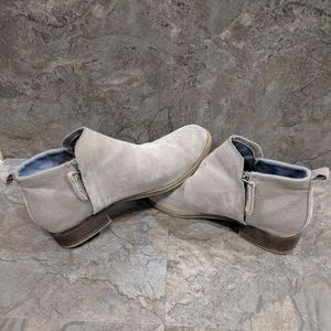 Toms suede ankle boots